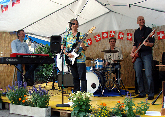 The Charlie Morris Band at Vallamand. Photo by Steve Polo.